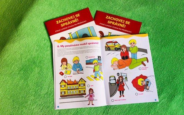 Zábavné pracovní listy děti učí, jak se správně zachovat v různých situacích